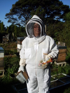 Margaret-in-New-Ventilated-Mesh-Beesuit