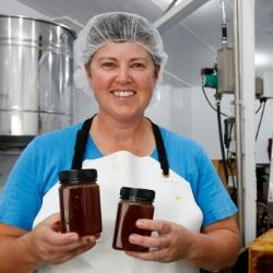 new_business_tasman_honey_processes_honey_for_hobbyists