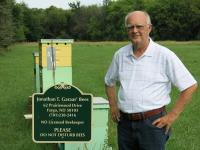 km096_colony-killing-mistake-backyard-beekeepers-make