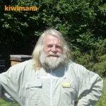 Beekeeping in the Hawkes Bay with Beekeeper John Berry – KM142